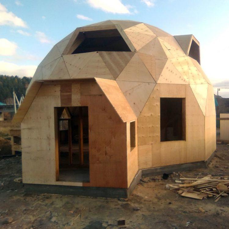 Двухэтажный дом, диаметр 9,7м. Смоленщина, Иркутская область